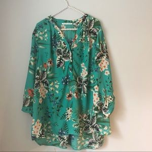 Violet & Claire Green Floral Long Sleeve Blouse